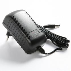 P2012-A12 12V 智能铅酸蓄电池充电器
