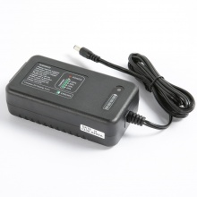 G60-12A 12V Car Lead Acid Battery Charger with Battery Meter