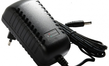USB和适配器供电的充电器电路