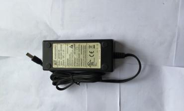电源适配器有啸叫正常吗?