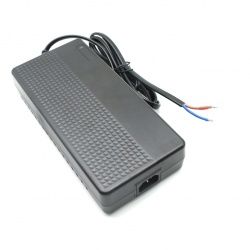 G300-296100(29.6V  10.0A)铅酸电池智能充电器,适用于24V铅酸电池